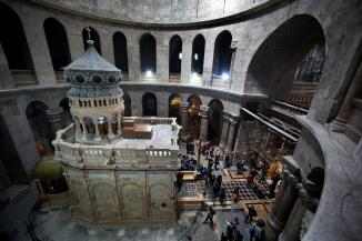01_jesus_tomb_after_holy_sepulchre-ngsversion-1490169608040-adapt-1900-1