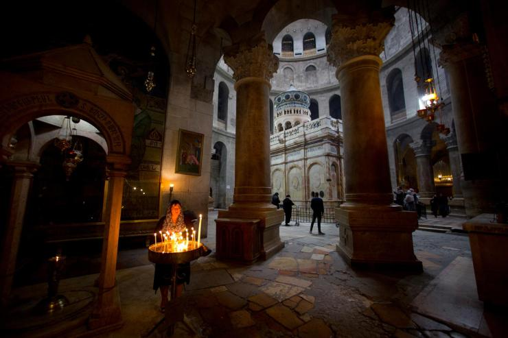 09_jesus_tomb_holy_sepulchre-adapt-1900-1
